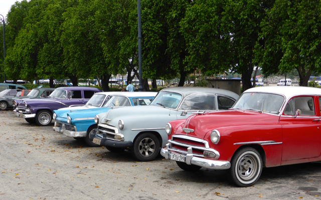 Baby Boomer Nostalgia Galore – 50s American Cars in Cuba ...